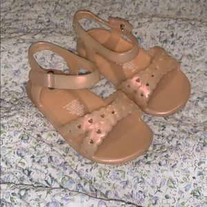 Old navy jelly sandals size 12-18M